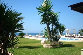 accommodation agnanti suites swimming pool