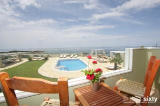 quadruple room agnanti suites pool view