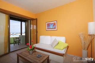 quadruple room agnanti suites sitting area